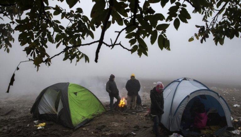 Slovēnija pieņem likumu, kas ļauj slēgt robežu migrantiem