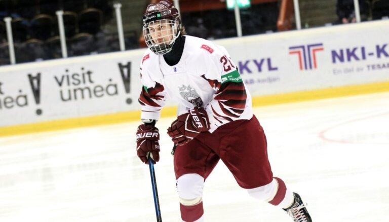 Latvijas U-18 hokejisti pirmo reizi vēsturē iekļūst pasaules čempionāta ceturtdaļfinālā