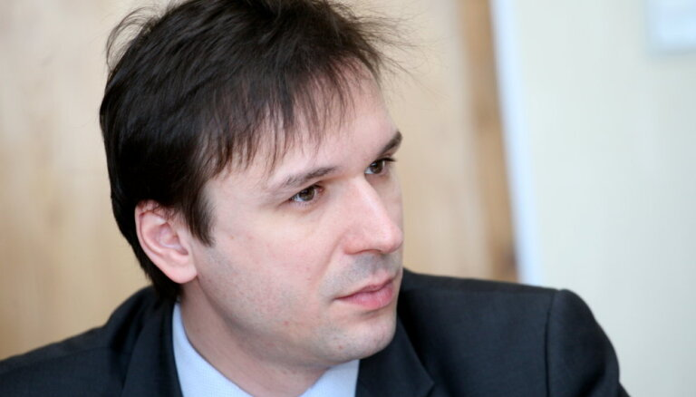 LTV: KNAB расследует связь Брандавса, Rīgas mikroautobusu satiksme и Мартинсонса
