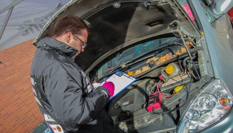 Kampaņā 'Pārsteidz ziemu!' pārbaudīti 900 automobiļi
