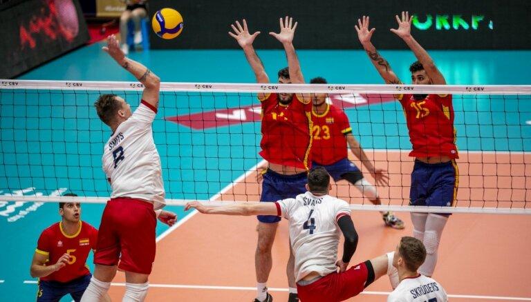 Latvijas volejbolisti Eiropas Zelta līgas pirmo apli noslēdz ar zaudējumu Spānijai