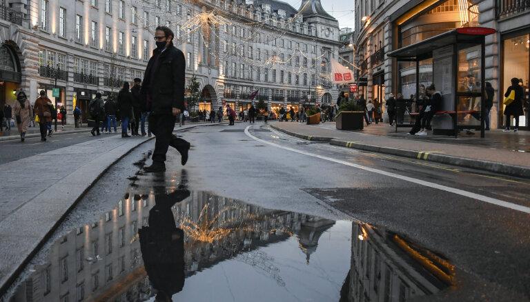 Англия сняла ковид-ограничения на фоне предупреждений ученых