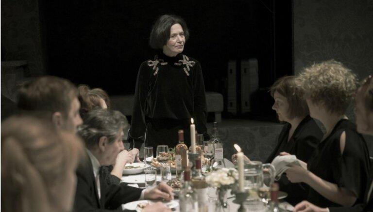 Valmieras teātris rīkos labdarības izrādi medicīnas darbiniekiem