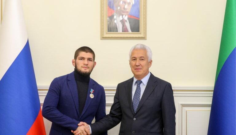 Хабиб Нурмагомедов получил орден и предложение от главы Дагестана Васильева