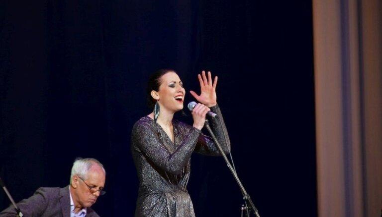 Latvijas mūziķi ar panākumiem uzstājušies džeza festivālā Uzbekistānā