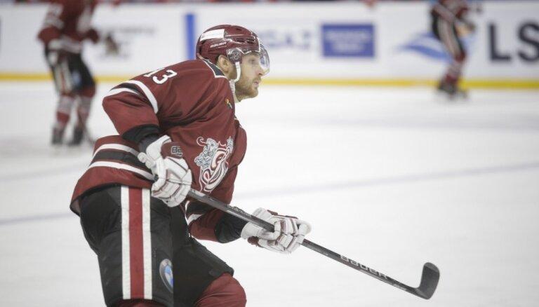 Rīgas 'Dinamo' uz pusotru mēnesi paliek bez Gunāra Skvorcova