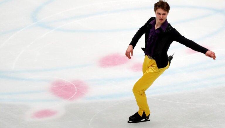 Daiļslidotājam Vasiļjevam neveiksmīga īsā programma pasaules čempionātā