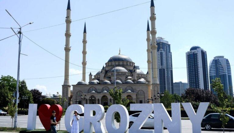Čečenijas tiesa atceļ lēmumu par iedzīvotāju gāzes parāda norakstīšanu