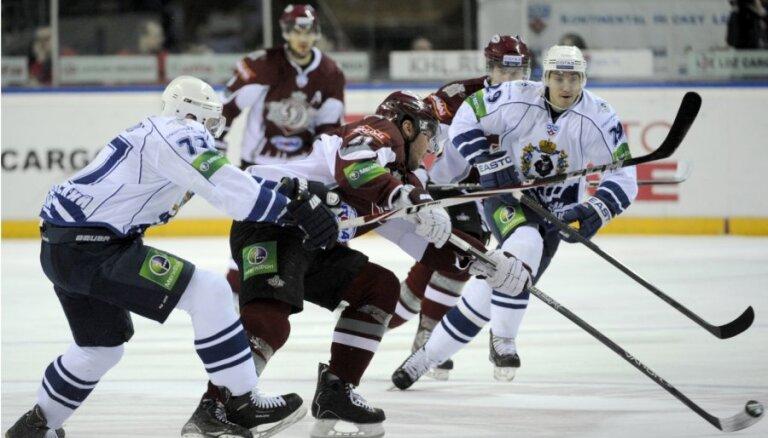 Rīgas 'Dinamo' neizmanto pārsvaru un piedzīvo zaudējumu Habarovskā