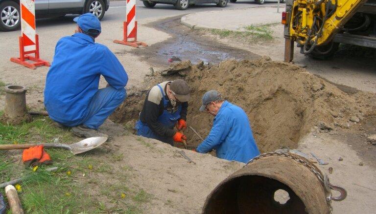 Uzsākti ūdensvada un kanalizācijas tīklu paplašināšanas darbi Berģos