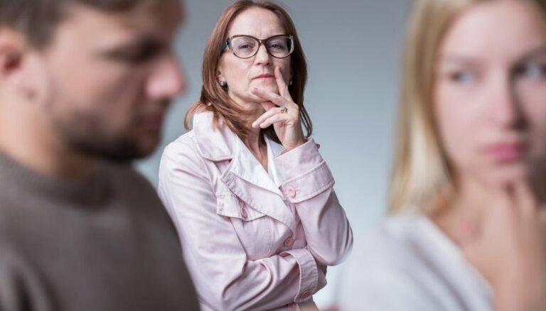 6 причин, по которым родители могут вмешиваться в ваш брак
