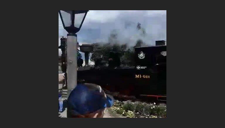 Video: Ventspilī avarē vēsturiskais mazbānītis