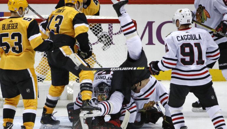 Bļugera 'Penguins' pirmo reizi kopš 2014. gada uzvar 'Blakchawks'