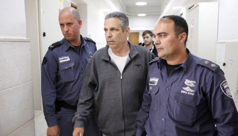 Bijušais Izraēlas ministrs notiesāts uz 11 gadiem par spiegošanu Irānas labā