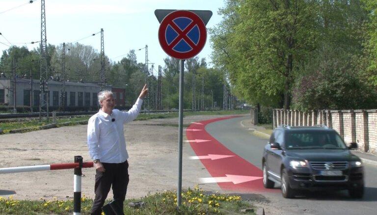 'Zebra': Absurdais aizliegums novietot auto laukumā pie Stradiņu slimnīcas