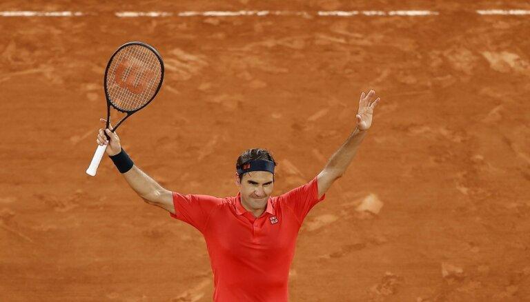 Federers pēc smagās uzvaras izstājas no 'French Open'