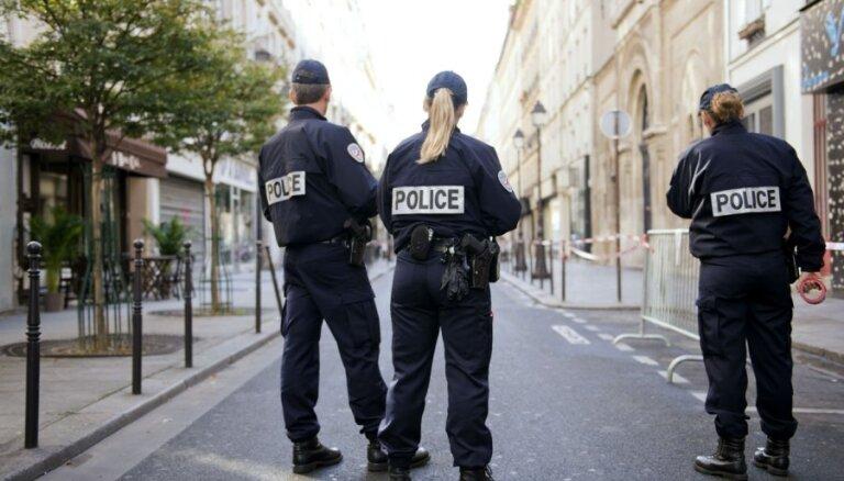 Francijā ārkārtas stāvokli pagarina līdz janvāra beigām
