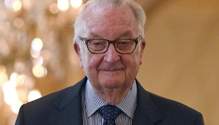 Beļģijas bijušais karalis paternitātes strīdā piekritis DNS pārbaudei