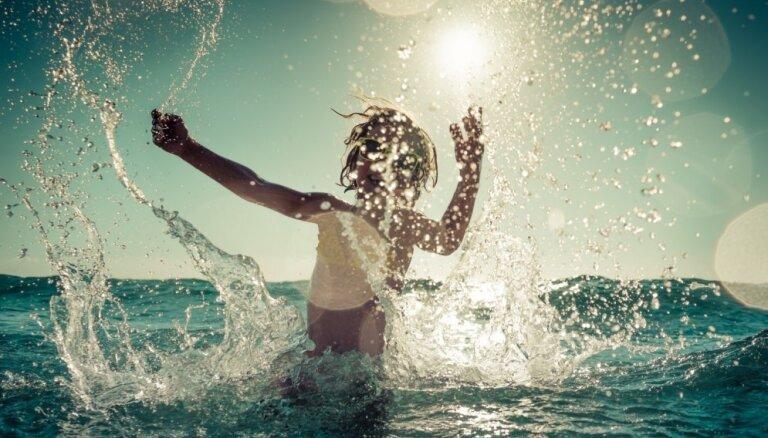 Vasara – peldēšanas sezona. Kur peldēties droši Latvijā un Eiropā?