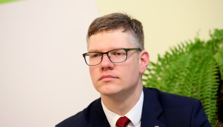 Rīgas domes opozīcija, iebilstot pret ārkārtas sēdi, lūdz vairākus pārtraukumus