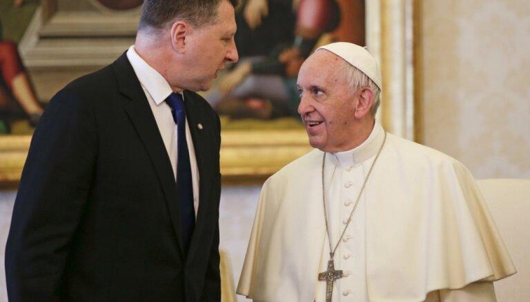 Вейонис договорился с папой Римским о встрече на этой неделе