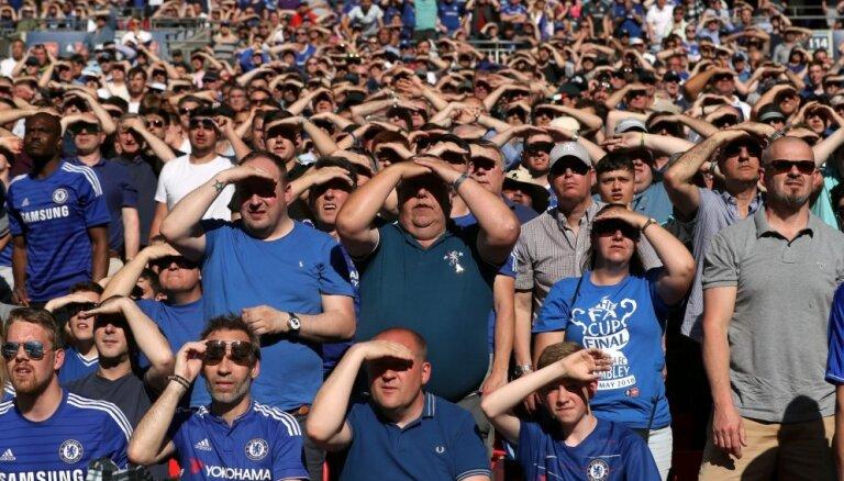'Chelsea' draud sods no UEFA par līdzjutēju rasisma izpausmēm