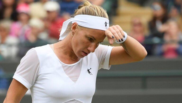 Теннисистка Кузнецова снялась с турнира в США из-за проблем с визой. Посольство заявило о дискриминации