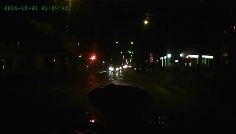 Helovīnā virs Rīgas novēro meteorītu