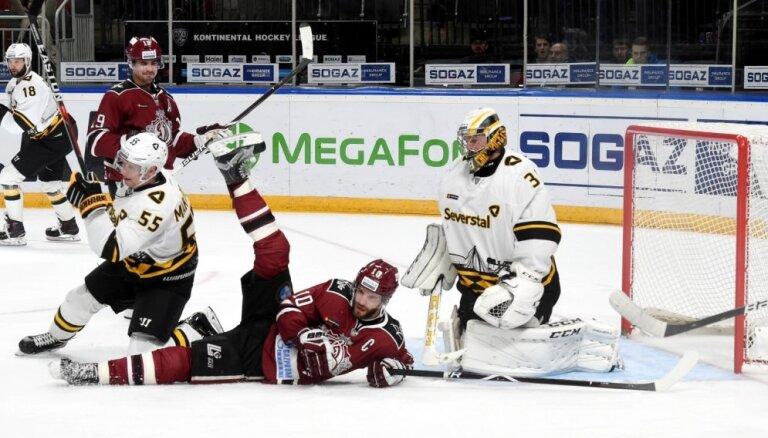 Dārziņš gūst divus vārtus Rīgas 'Dinamo' 'sausajā' uzvarā pār 'Severstaļ'