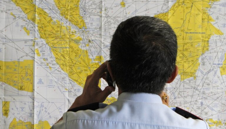 Еще один самолет AirAsia совершил экстренную посадку
