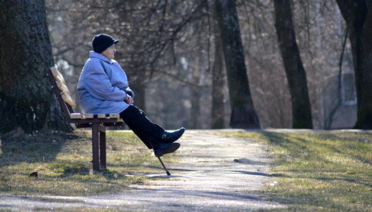 VSAA kļūdas dēļ vairākiem tūkstošiem pensiju saņēmēju radies nodokļu parāds