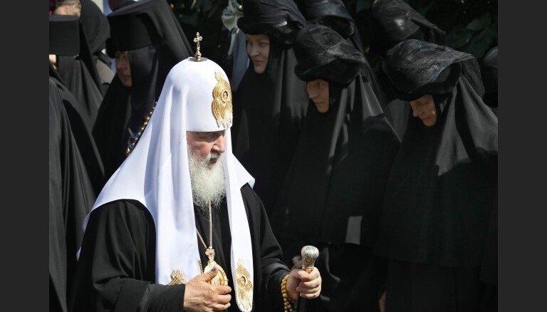 Путина просят не лишать церковь бесплатных земель