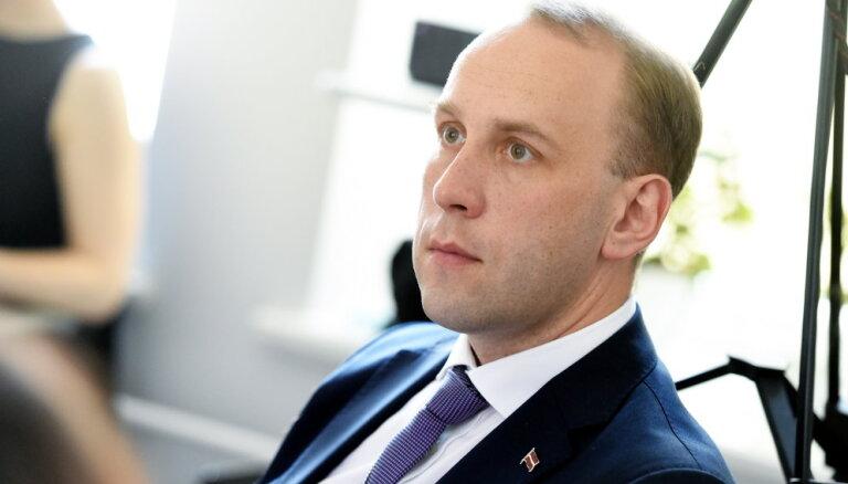 LTV: экс-главу Госканцелярии Криевиньша позвали работать в Сейм