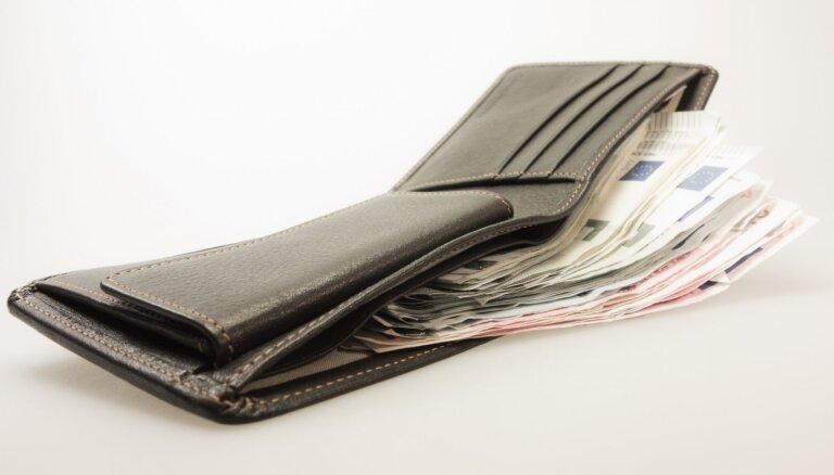 Banku analītiķi šogad prognozē vidējās bruto darba samaksas pieaugumu par 4-7,5%