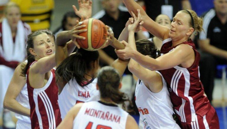 Latvijas basketbolistēm otrais zaudējums EČ finālturnīrā