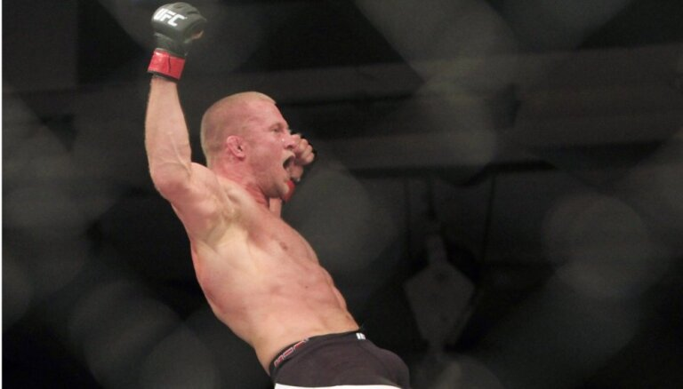 Cirkunovs UFC cīņā Stokholmā piedzīvo zaudējumu pēc pusminūtes