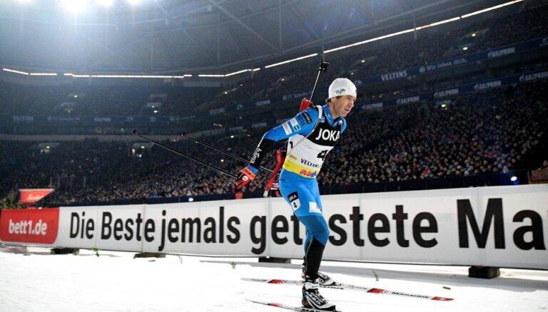 Vīrere un Hofers uzvar biatlona leģendas Bjerndalena atvadās Gelzenkirhenes futbola stadionā