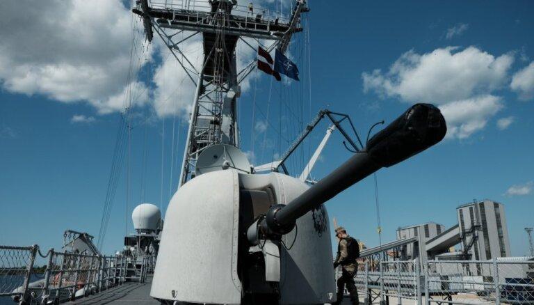 Корабли ВМС Франции и США вошли в Черное море