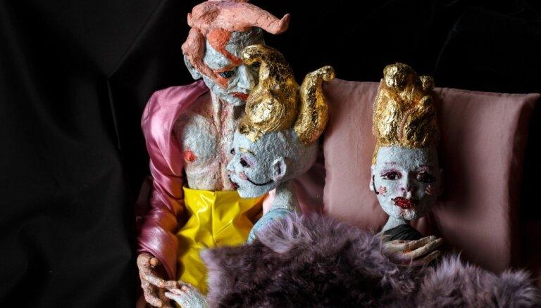 Leļļu teātrī top pikanta fantāzija par brunču mednieku Kazanovu