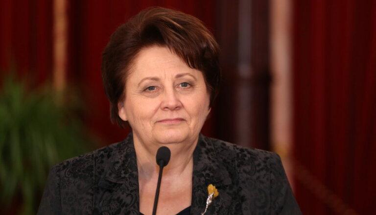 Straujuma jaunā aizsardzības ministra izvēlē konsultēsies ar Vējoni