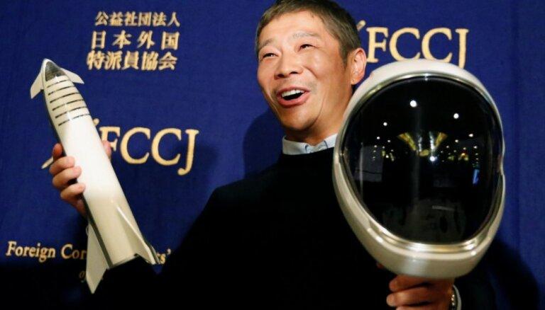 Japānas miljardiera tvitera ieraksts ar naudas balvas solījumu kļuvis par vēsturē retvītotāko