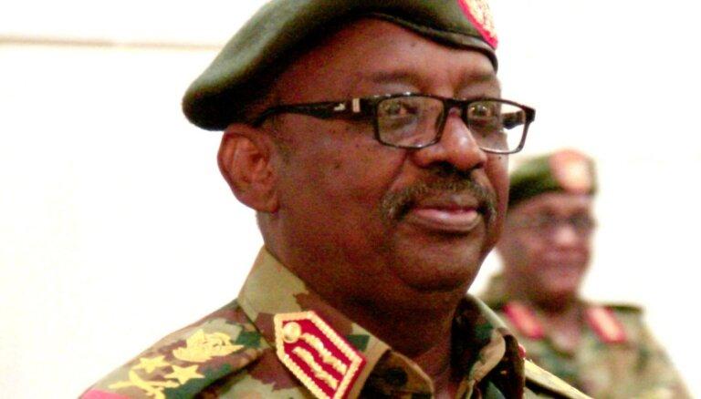 Dienvidsudānā pēkšņi miris Sudānas aizsardzības ministrs
