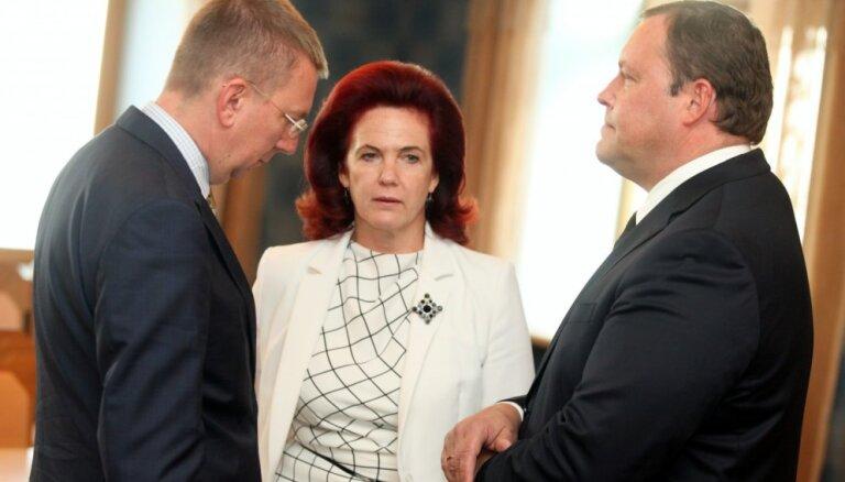 Аболтиня призналась, что говорила по телефону с отказавшимся от кресла премьера мэром Валмиеры