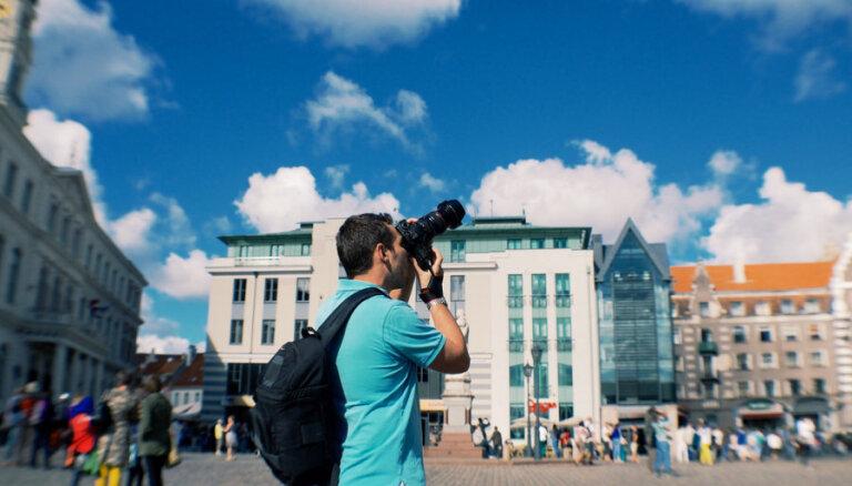 Сколько миллионов евро потеряет Латвия от сокращения числа российских туристов?