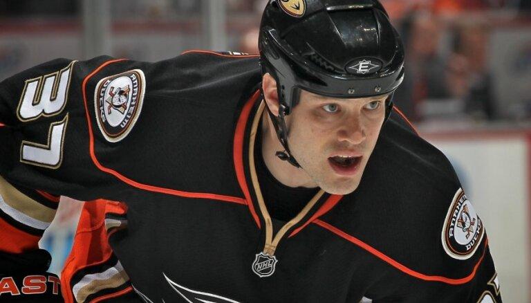 Jarko Rūtu KHL vietā izvēlas somu klubu