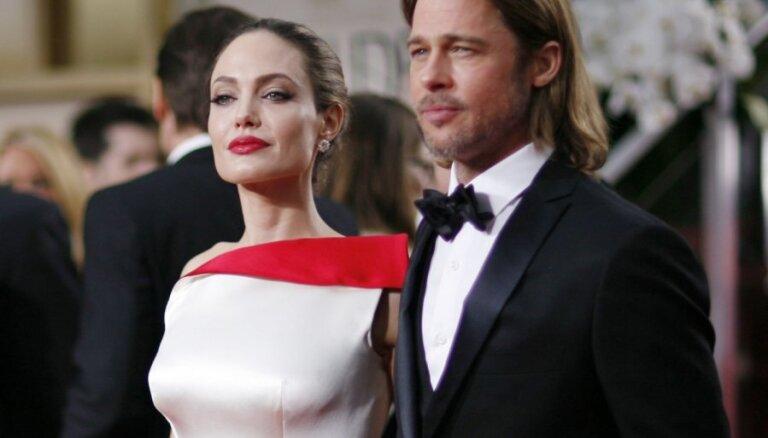 Питт и Джоли тайно поженились на Карибах