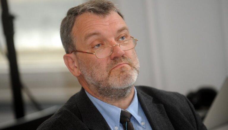 Розенвалдс: слухи о политической смерти Ушакова преувеличены
