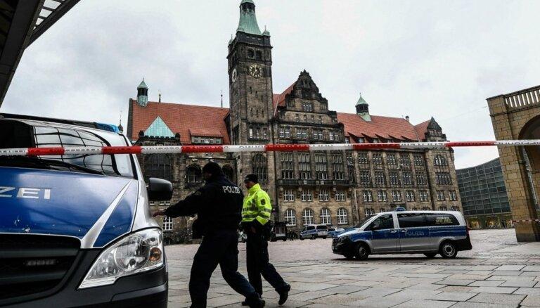 Vācijā spridzināšanas draudu dēļ evakuētas vairāku pilsētu domes