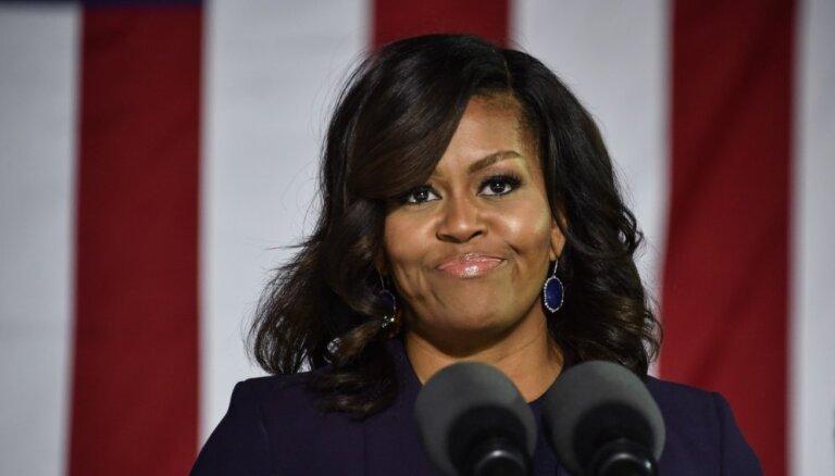Мишель Обама обогнала Хиллари Клинтон в рейтинге самых восхитительных женщин