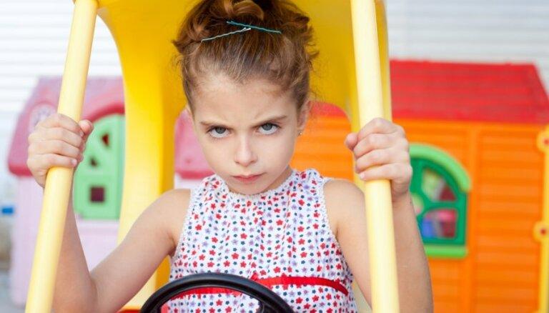Строителей детских площадок обяжут поддерживать их в порядке и строить по правилам